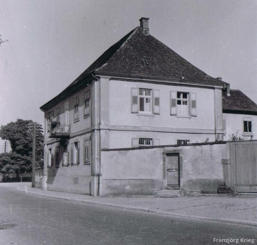 01-56-03_Pfarrhaus_cut_1000
